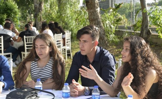 Toplum ve gençlik sorunları masaya yatırıldı
