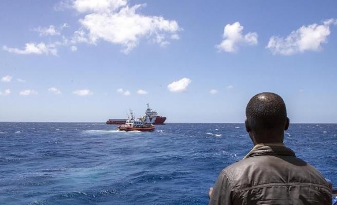 Tunus'ta düzensiz göçmenleri taşıyan tekne battı: 70 ölü