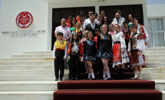 Uluçay, festivale gelen konuk ekiplerin temsilcilerini kabul etti