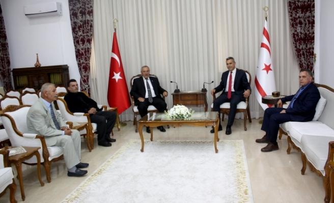Uluçay, Türk Göçmenler Yardımlaşma ve Dayanışma Derneği heyetini kabul etti