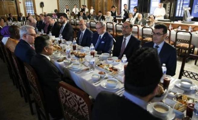 Washington temsilcisi Lakadamyalı iftar yemeğine katıldı
