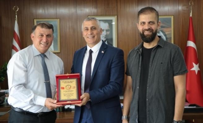 Amcaoğlu,KKTC Atıcılık Federasyonu yetkililerini kabul etti
