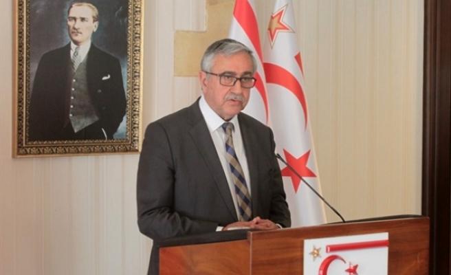 Cumhurbaşkanı Akıncı, Başbakan Tatar ve Spehar ile yaptığı görüşmenin ardından basın toplantısı düzenledi
