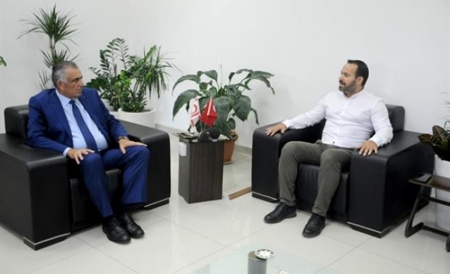"""Eğitim Bakanı Çavuşoğlu, KTAMS heyetini kabul etti: """"Görevimizi ortak akılla yürütmek istiyoruz"""""""