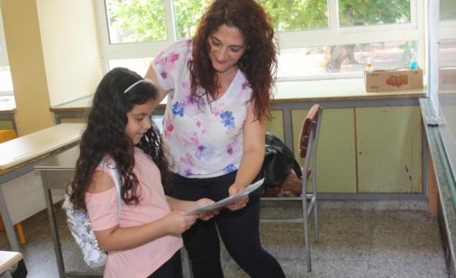 İlköğretimde karne heyecanı