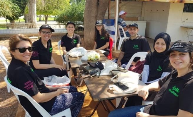 İyilik Gönüllüleri, Güzelyurt açık pazarında yaşlılara yardım etti