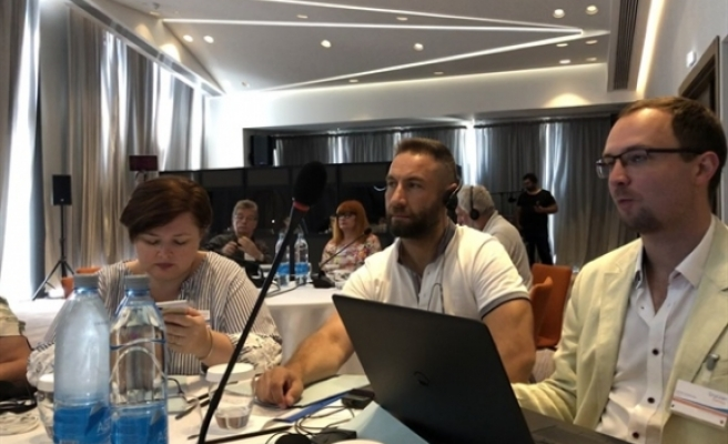 Öğretmen Sendikaları 'Eğitim ve Göç' temalı seminere katıldı