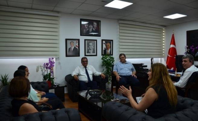 Sucuoğlu, Kıbrıs İşitme Konuşma Engelliler Vakfı heyetini kabul etti