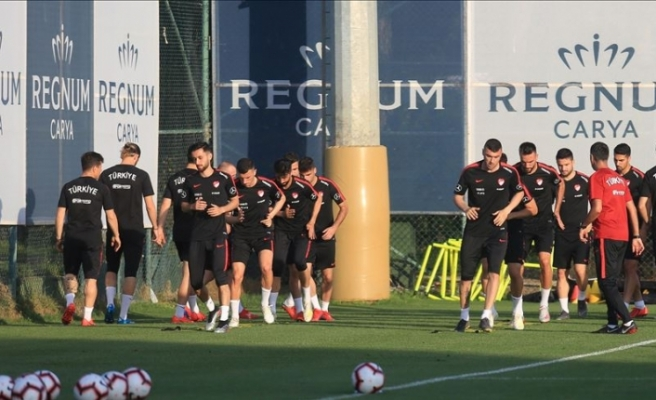 Türkiye Milli takımı Fransa maçının hazırlıklarını sürdürdü