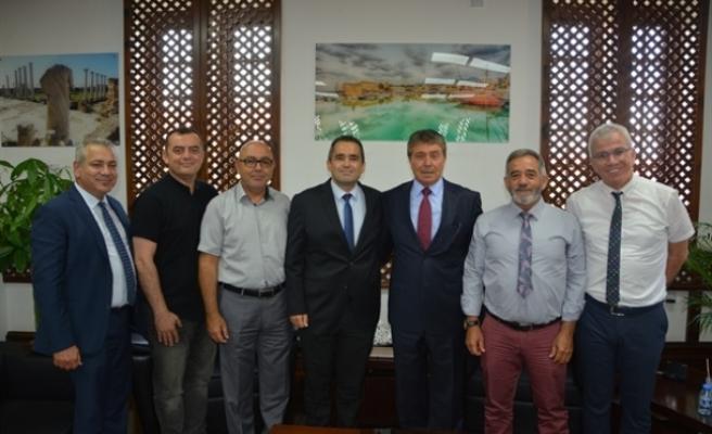 Üstel, Kıbrıs Türk Turizm ve Seyahat Acenteleri Birliği (KITSAB) Yönetim Kurulu üyelerini kabul etti