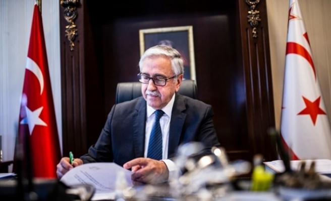 Akıncı, Guterres'i beşli gayriresmi toplantı için devreye girmeye çağırdı