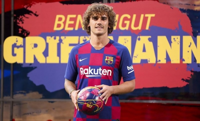 Barcelona yılın transferini tanıttı