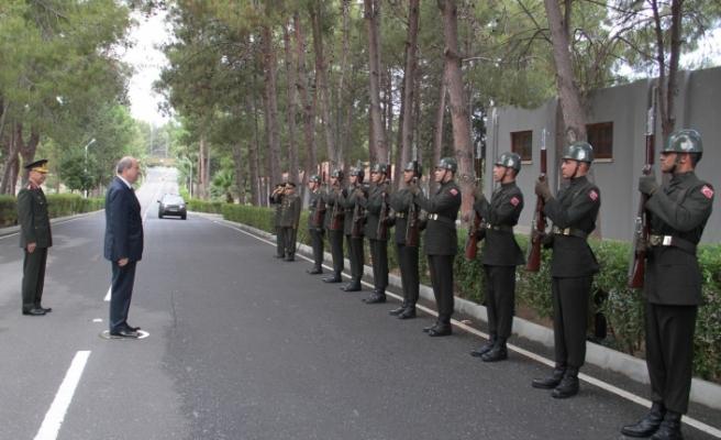Başbakan'dan Komutanlara ziyaret