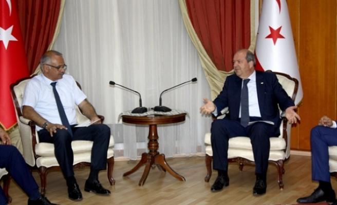 Başbakan  Tatar, Baf Ülkü Yurdu Spor Kulübü'nden bir heyeti kabul etti