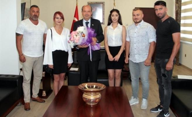 Başbakan Tatar, Kıbrıs Gençlik ve Spor Kültür Derneği'ni kabul etti
