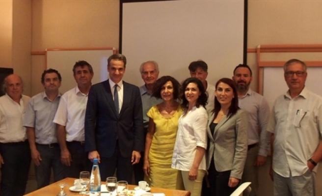 Birleşik Kıbrıs - İki Toplumlu Barış İnisiyatifi Mitsotakis'le görüştü