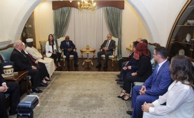 Cumhurbaşkanı, Ada'da bulunan yabancı parlamenterleri kabul etti