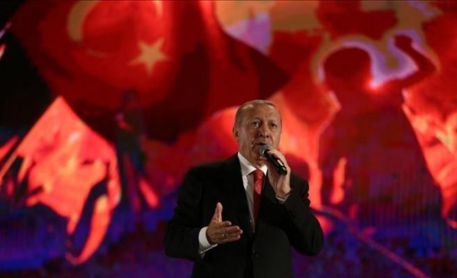 """""""Doğu Akdeniz, Kıbrıs, Ege konularında karşı tarafı haklı bulanların zihinleri iğfal edilmiş demektir"""""""