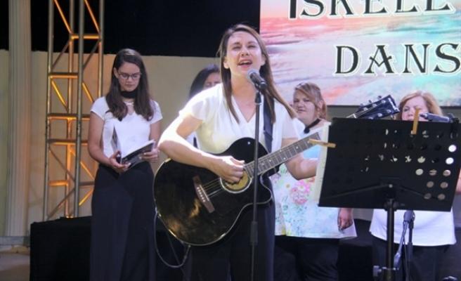 Ergazi Kadınlar Korosu konser verdi