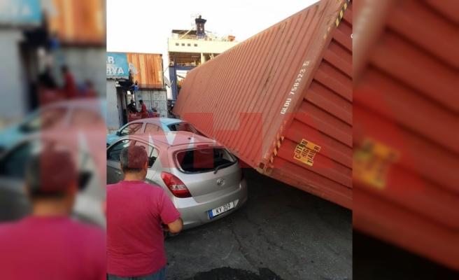 Gazimağusa Limanında konteyner arabanın üzerine düştü