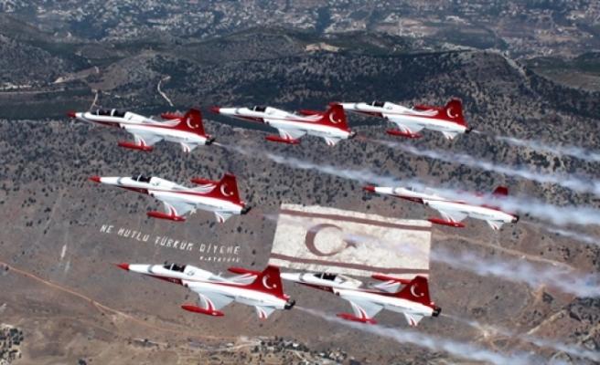 Gemiler yarın ziyarete açılacak, Türk yıldızları cumartesi hava gösterisi icra edecek