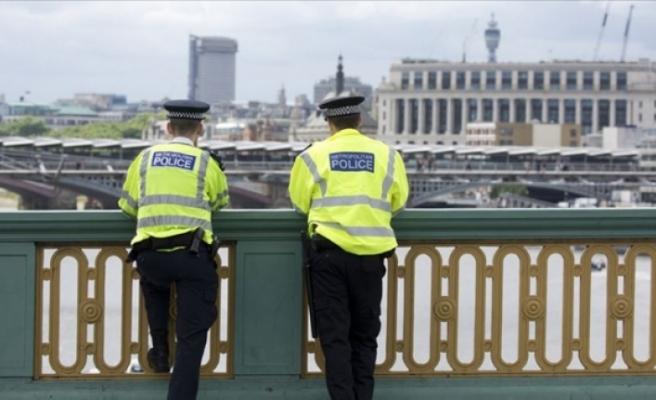 """İngiliz polisinden basına """"sızıntı belgeleri iade edin"""" çağrısı"""