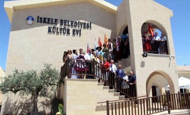 İskele Festivali'ne katılan ülkelerin heyetleri Sadıkoğlu'nu ziyaret etti
