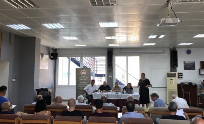 Kıbrıs sorunu' temalı seminer düzenledi