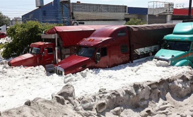 Meksika'da dolu fırtınası: Guadalajara kenti 1,5 metre kalınlığında buzla kaplandı