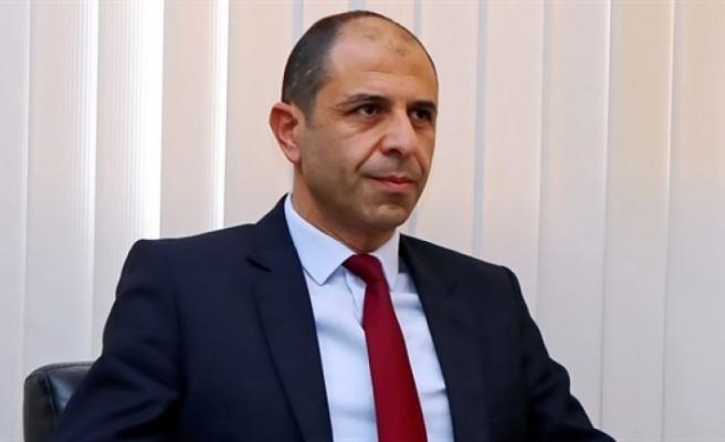 Özersay, Türkiye Milli Savunma Bakanı Hulusi Akar ile telefon görüşmesi yaptı
