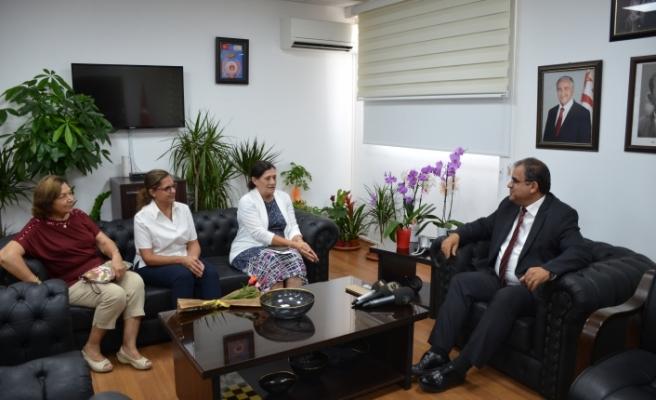 Sucuoğlu, Kanser Hastalarına Yardım Derneği yetkililerini kabul etti