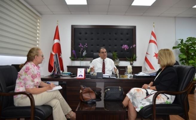 Sucuoğlu, Yaşlı Hakları ve Ruh Sağlığı Derneği yetkilileriyle görüştü
