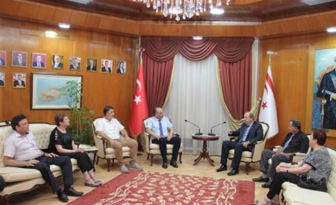 Tatar, Şehit Aileleri ve Malül Gaziler Derneği yetkililerini kabul etti