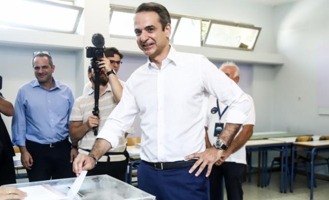 Yunanistan'da Miçotakis'in zaferi