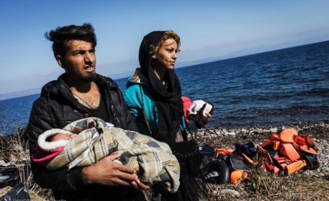 Yunanistan Ege'deki düzensiz göçmenleri zeplinle gözetleyecek