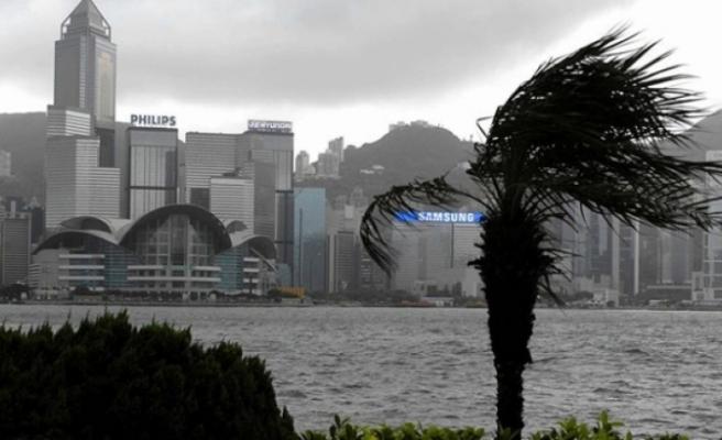 Çin'de Lekima Tayfunu öncesi kırmızı alarm