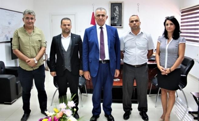 HAKSEN, Bakan Çavuşoğlu'ndan okul sekreterlerinin sorunlarına çözüm istedi