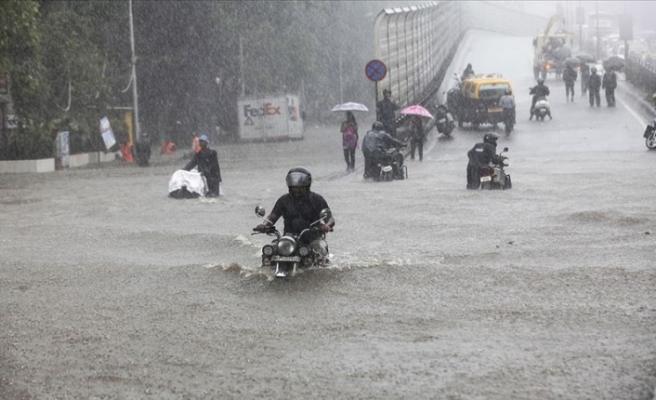 Hindistan'da aşırı yağışlar can alıyor