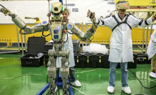 Rusya, Uluslararası Uzay İstasyonuna (UUİ) insansı robot yolladı