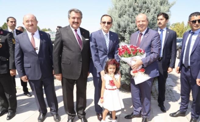 """Tatar: """"Türkiye ve hak ve çıkarlarınızı korumak için yanımızda"""""""