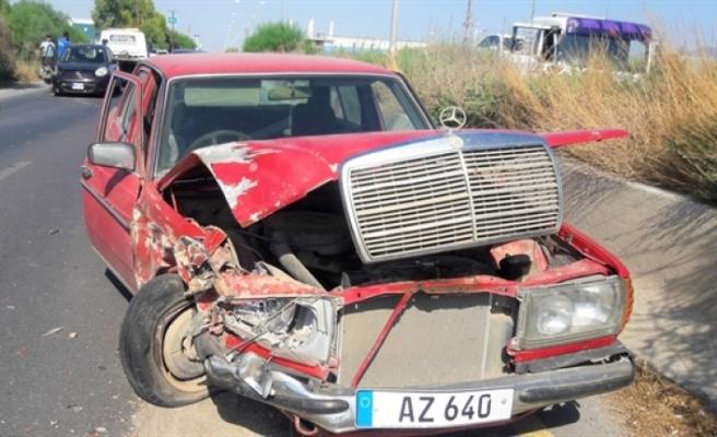 Ters yöne giren 70 yaşındaki sürücü çarpışmaya neden oldu