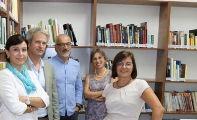 Akdeniz Sanat, Tasarım, Kültür ve Tarihi Miras Araştırma Merkezi kütüphanesi açıldı
