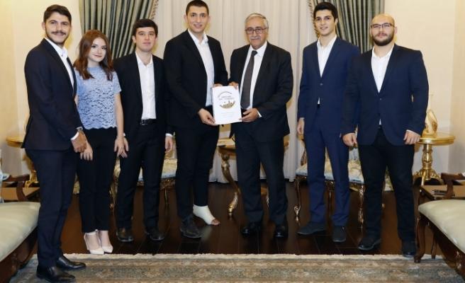 Akıncı, Kıbrıs Türk Gençlik Kongresi organizasyon komitesi üyelerini kabul etti