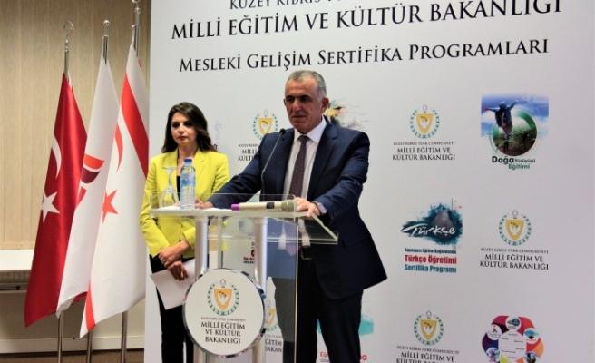 """Çavuşoğlu: """"Ülkemizin geleceğini en iyi şekilde yetiştirmek için uluslararası standartları kendimize şiar edindik"""""""