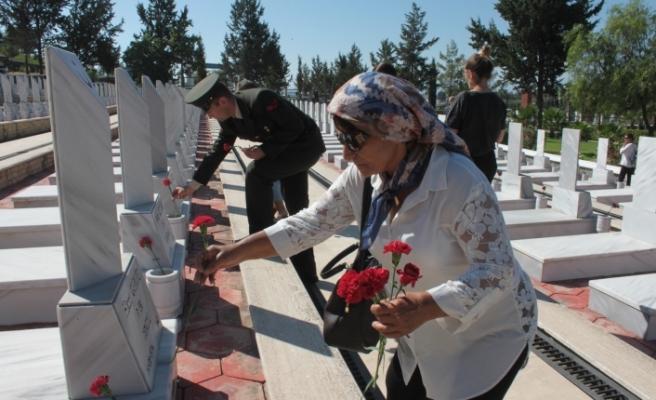 Gaziler Günü dolayısıyla Boğaz Şehitliği'nde tören