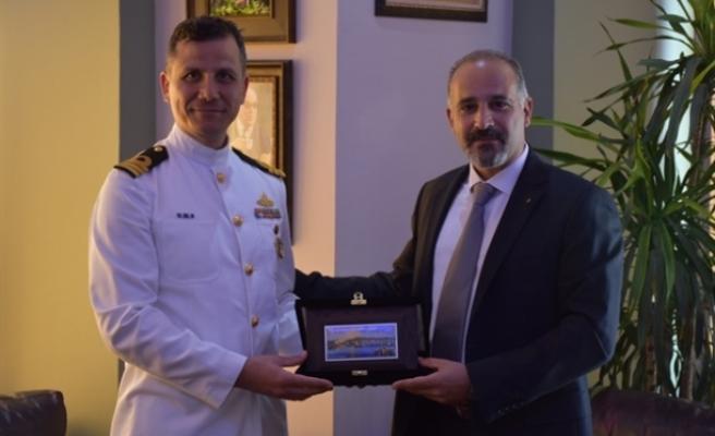 Girne Belediyesi Asbaşkanı Onurlu, Deniz Binbaşı Doğan'ı ağırladı
