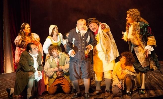 Moliere'in Cimri adlı oyun izleyiciyle buluştu