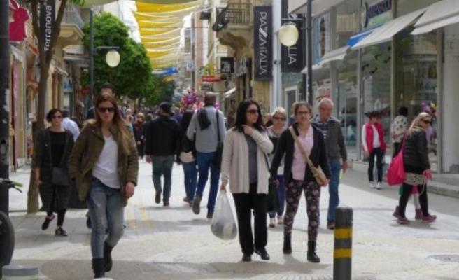 Moody's Güney Kıbrıs ekonomisinin perspektifini, istikrarlıdan olumluya çevirdi