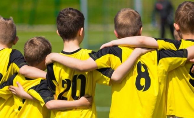 """""""Takım sporları akran zorbalığının önüne geçilmesinde etkili"""""""
