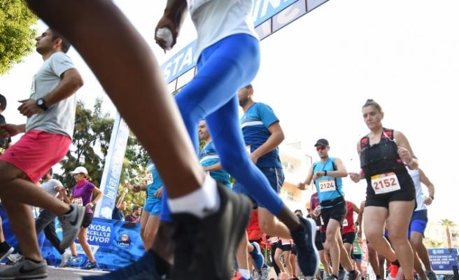 10 ve 21 km koşuları tamamlandı